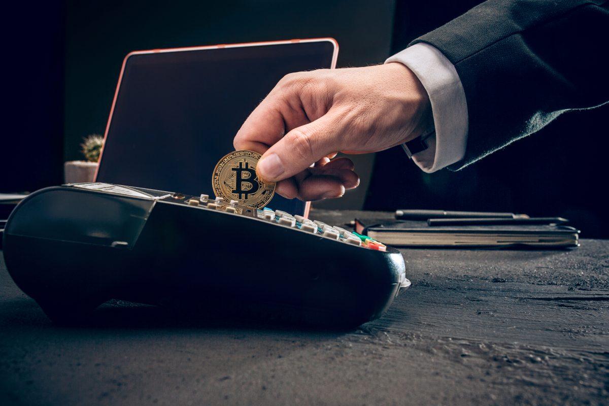 How To Become A Crypto Investor By Dividing Your Crypto Portfolio Sparingly?